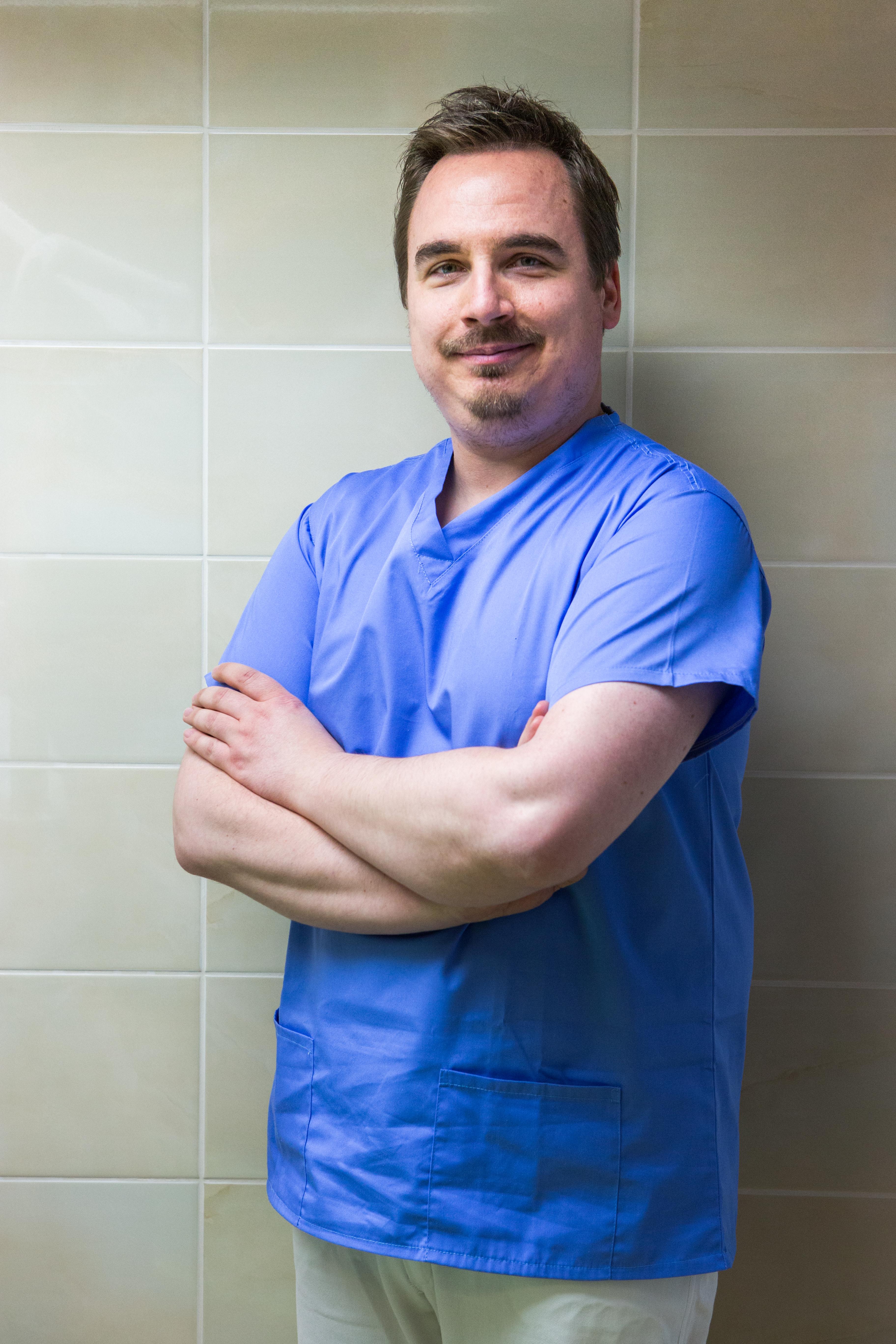 Dr. Soós Gábor - Főorvos, dento-alveolaris sebész szakorvos, gyermekfogszakorvos