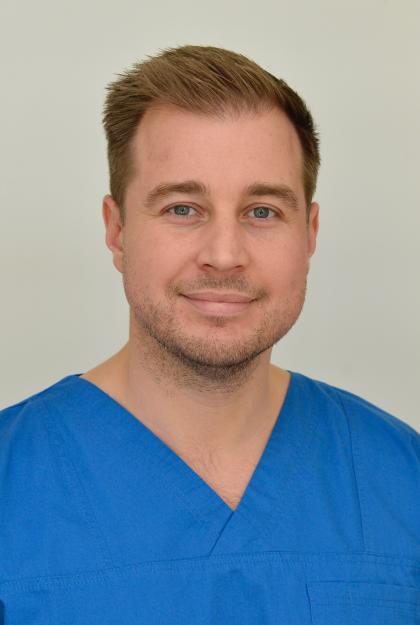 Dr. Palotás Csaba - Dento-alveolaris sebész szakorvos