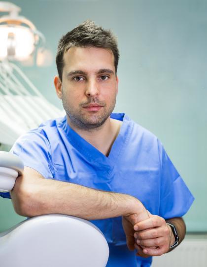 Dr. Soós Gergely - Dentoalveoláris sebész