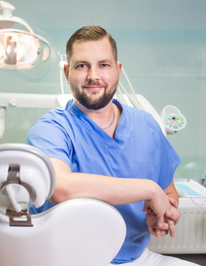 Dr. Tatai Dániel - Dentist